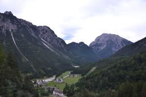 Cave del Predil vista da Monte Re